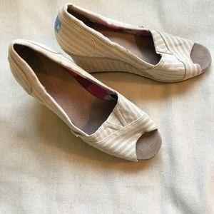 TOMS Peep Toe Wedges Heel Cream Beige Striped
